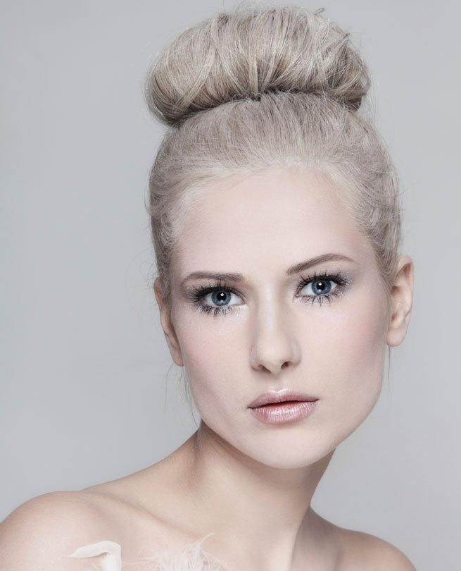 Hair trends 2017 - Graue Haare Zum Dutt Gestylt