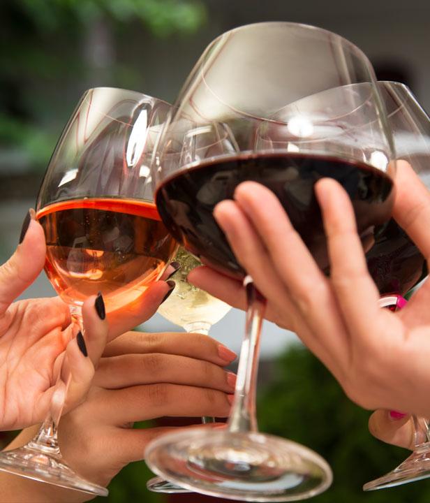 Anstossen am 1. August mit Schweizer Weinen