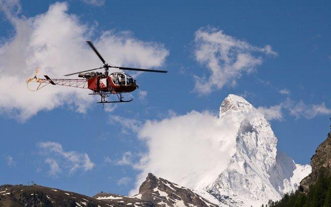 Beim Helikopterflug die Schweiz von oben entdecken