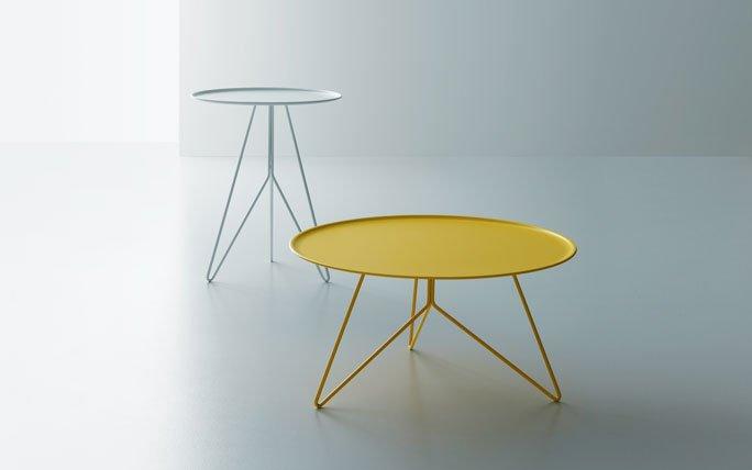 beistelltisch aus stahl in gelb und grau. Black Bedroom Furniture Sets. Home Design Ideas