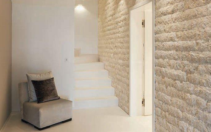Naturstein boden und wandgestaltung for Wand naturstein innen