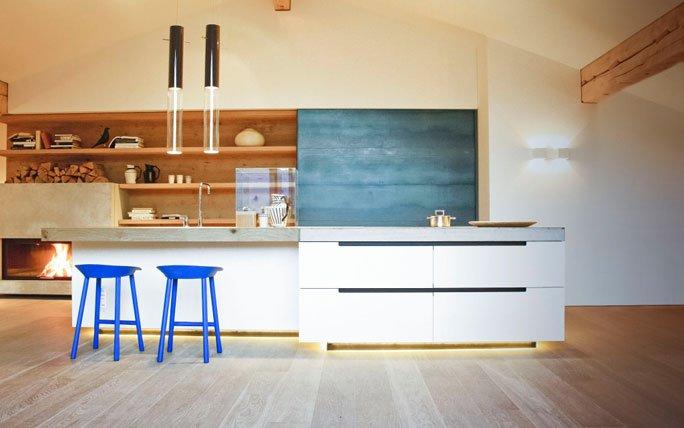 beton weiss und blau offene k che von dade design. Black Bedroom Furniture Sets. Home Design Ideas