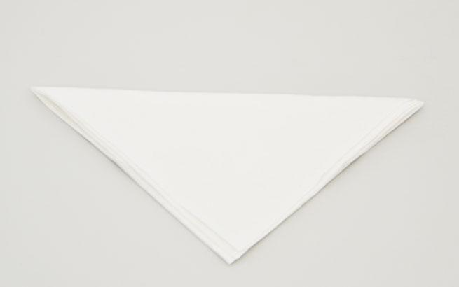 servietten tischdeko aus servietten ein h bsches schiff falten. Black Bedroom Furniture Sets. Home Design Ideas