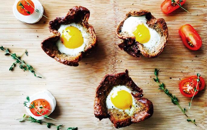 Toast-Muffins mit Ei und Speck