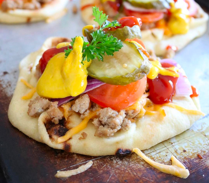 Naan Pizza im Burger-Style