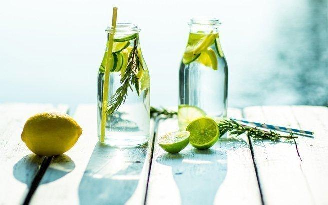 Mit ein bisschen Zeit und Liebe können Sie tolle Erfrischungen zaubern. Wir stellen Ihnen 6 Sommerdrinks zum Nachmachen vor.