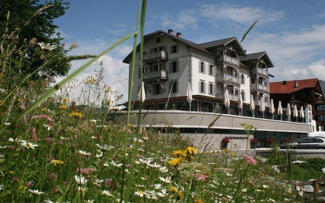Verbringen Sie ein romantisches Wochenende zu zweit im The Alpina Mountain Resort & Spa in Tschiertschen! Wir verlosen exklusiv zwei Übernachtungen.