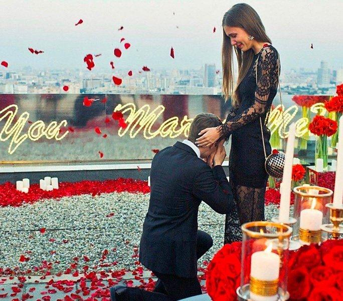 Heiratsantrag im Rosenregen