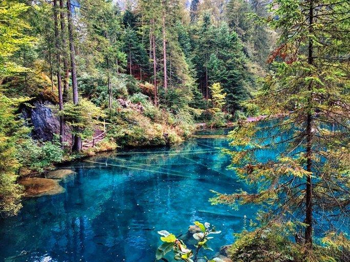 blausee schweiz mystischer ort in der offnungszeiten