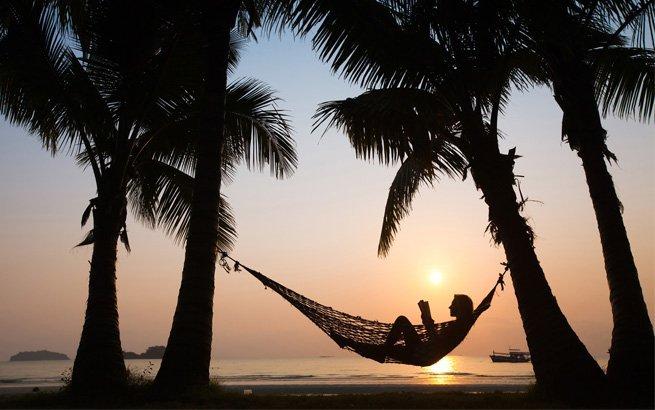 Viele Reisende kennen Südseeinseln nur aus Hochglanzmagazinen. Wer sich aber an die Datumsgrenze traut, kann die paradiesische Welt hautnah erleben.