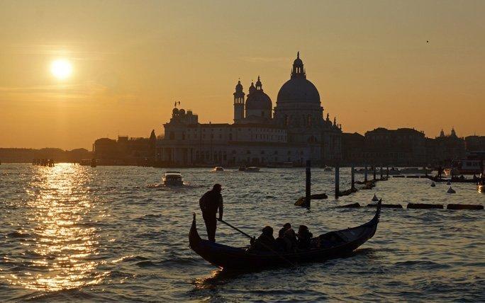 In der Gondel durch Venedig