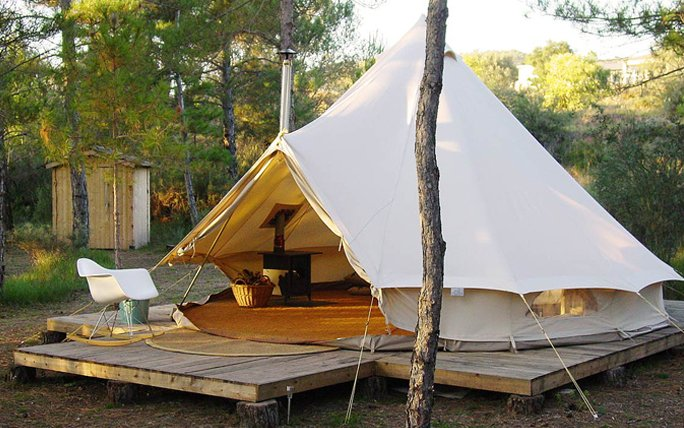 Luxus Camp in Spanien: Forest Days Glamping