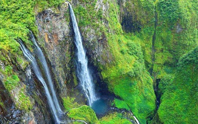 Eine La Réunion Reise ist eine Reise in eine Welt voller Naturspektakel. Wir klären, warum Sie die französische Insel besuchen müssen.