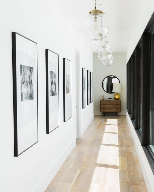 flur hell einrichten grosse bilderrahmen. Black Bedroom Furniture Sets. Home Design Ideas