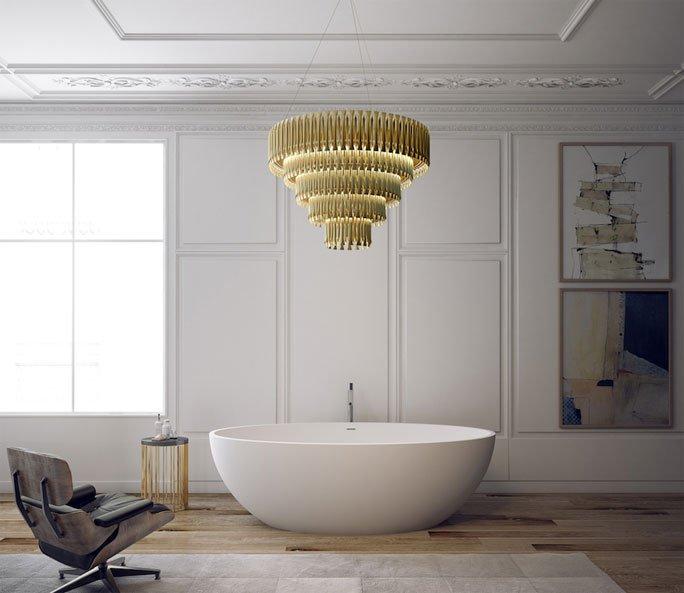 Goldener Kronleuchter Für Ein Luxus Badezimmer