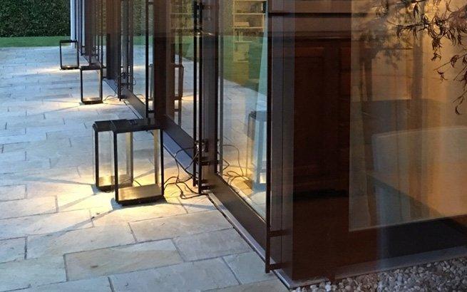 Es ist eine Herausforderung, aussergewöhnliche Interior-Accessoires zu finden. Deshalb haben die erfolgreiche Schweizer Innenarchitektin Iria Degen und die Business-Expertin Mirjam Staub-Bisang mit theroomers.com eine neue Online-Destination erschaffen.