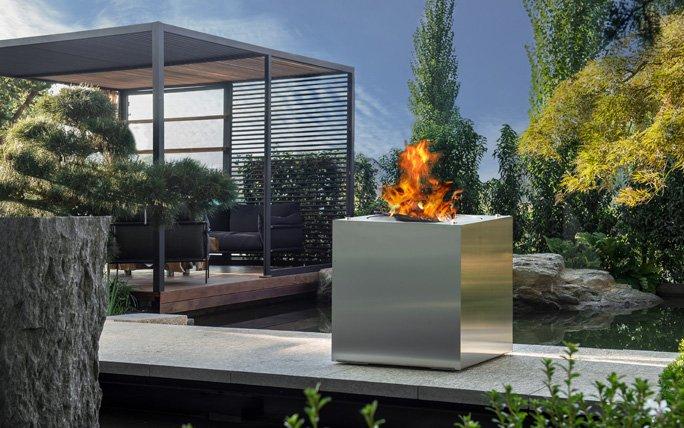 Stilvolle Feuer-Skulptur